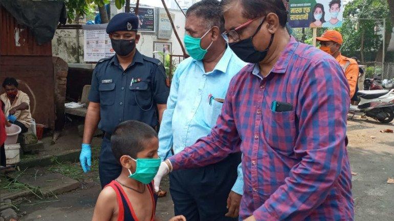 मुंबई में सोमवार को COVID-19 के 800 नए केस, 14 की मौत